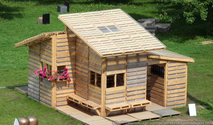 kids pallet playhouse