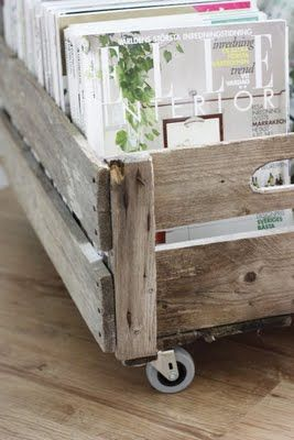 magazine rack out of pallets